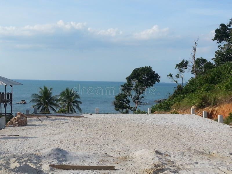 Playa en la isla de bangka fotos de archivo