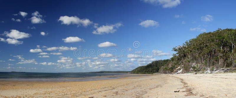 Playa en la isla de Fraser imagen de archivo libre de regalías