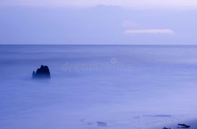 Playa en la oscuridad fotografía de archivo libre de regalías