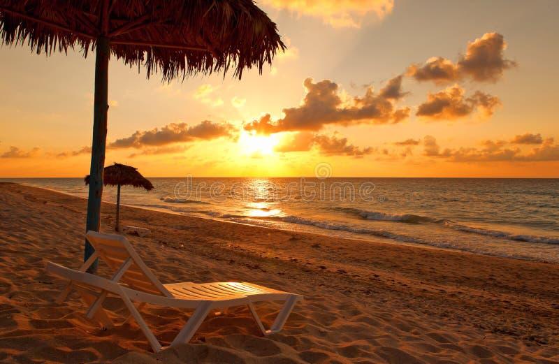 Playa en la puesta del sol, Varadero fotografía de archivo libre de regalías