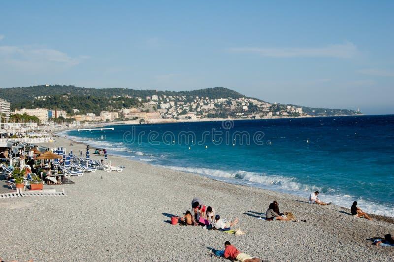 Playa en Niza imagenes de archivo