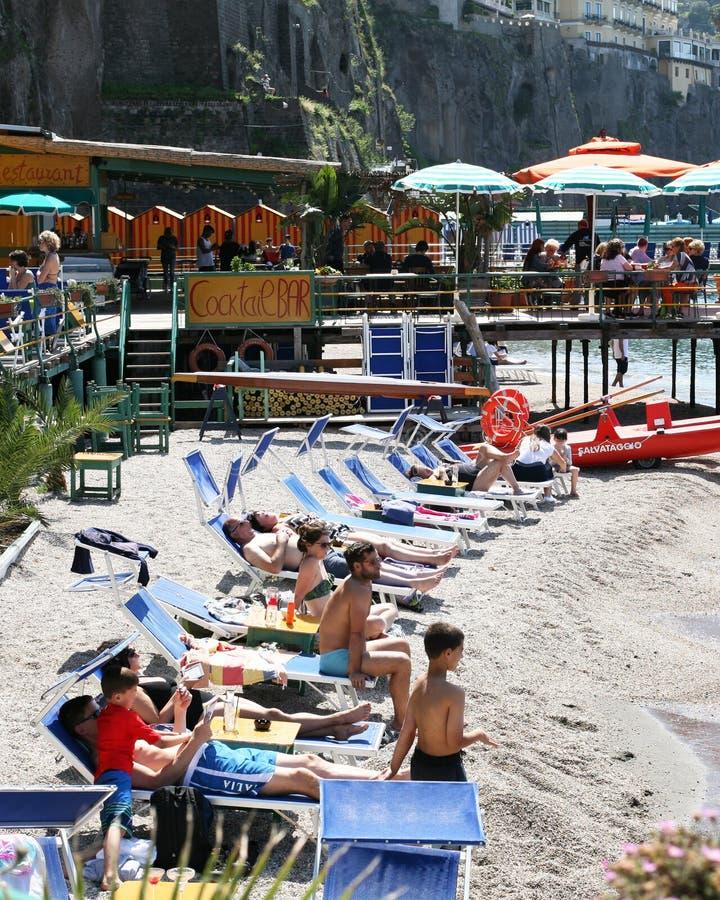Playa en Sorrento Italia foto de archivo libre de regalías