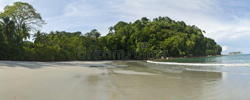 Panorama tranquille de plage de Manuel Antonio image stock
