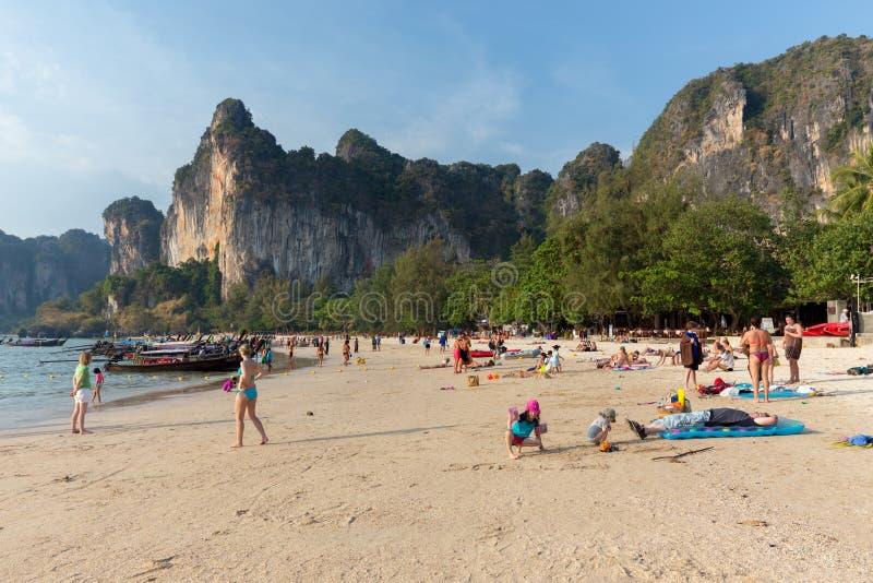 Playa ferroviaria en Tailandia imágenes de archivo libres de regalías