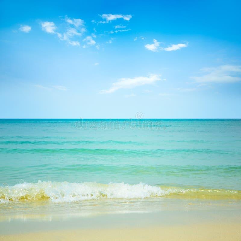 Download Playa hermosa imagen de archivo. Imagen de concepto, estación - 42430627