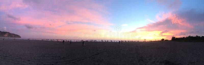 Playa hermosa con el cielo hermoso fotografía de archivo libre de regalías