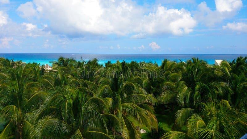 Playa hermosa Concepto de las vacaciones de verano y de las vacaciones para el turismo Paisaje tropical inspirado imagenes de archivo
