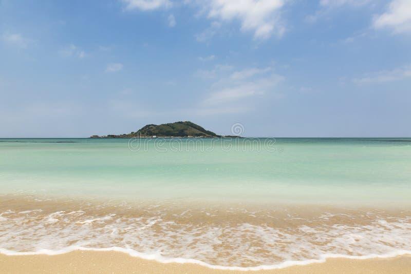 Playa hermosa de Hyeopjae en la isla de Jeju fotografía de archivo