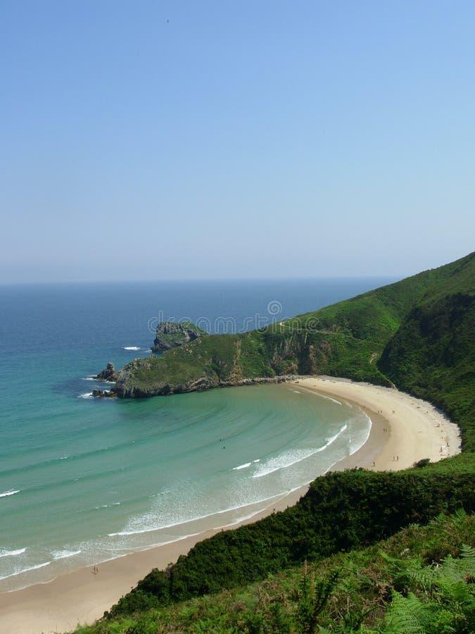 Playa hermosa en España norteña fotos de archivo