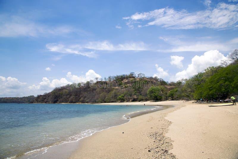 Playa hermosa en tierra el Océano Pacífico en el Golfo de Papagayo fotografía de archivo libre de regalías