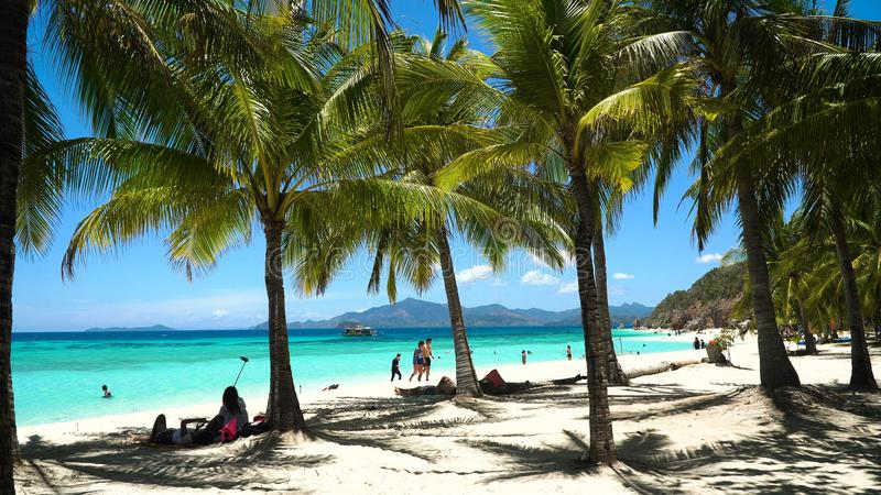 Playa hermosa en una isla tropical Malcapuya filipinas imagen de archivo libre de regalías