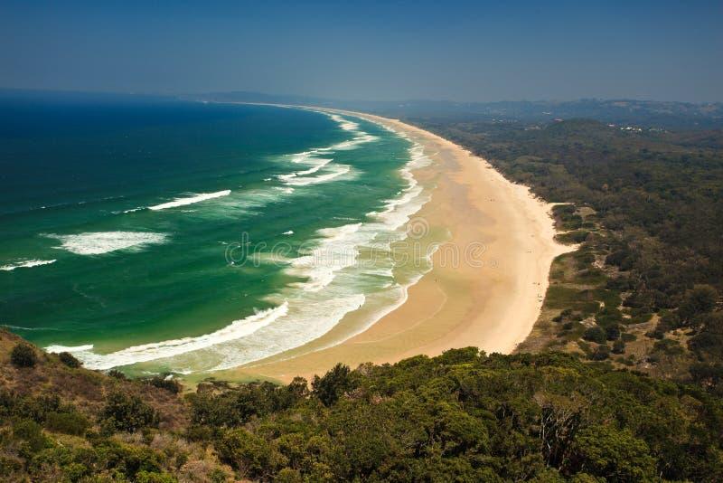 Playa hermosa NSW, AU de la bahía de Byron del panorama foto de archivo libre de regalías