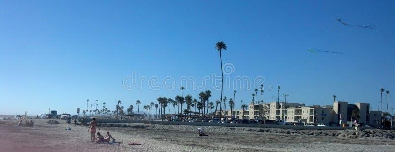 Playa lateral del océano fotos de archivo