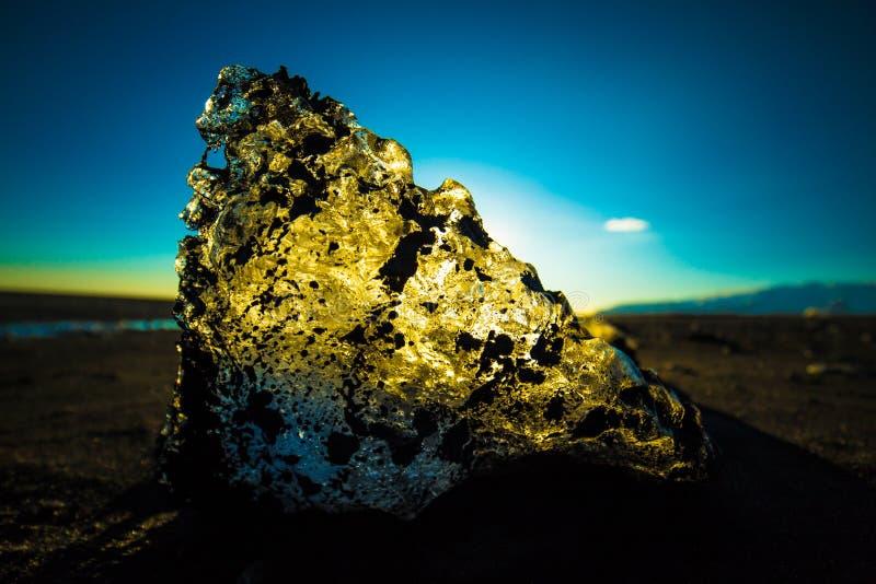 Playa negra Islandia meridional de la arena del hielo de Diamond Beach fotografía de archivo libre de regalías