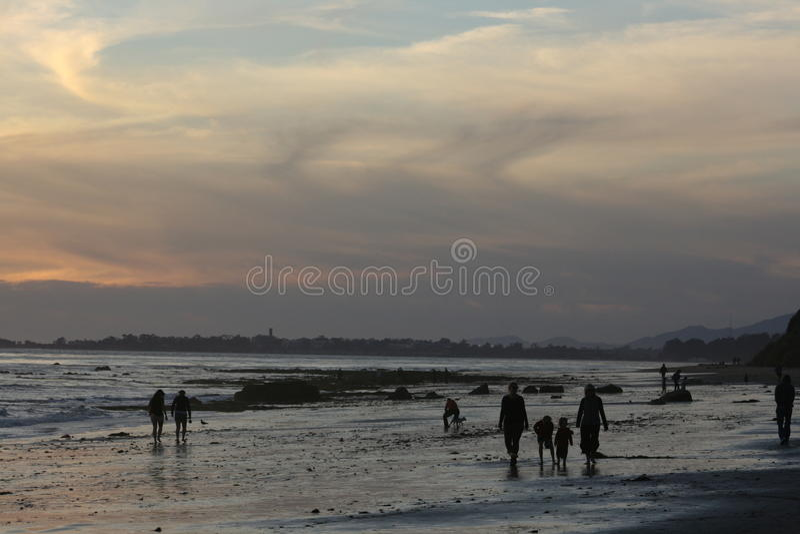 Playa nublada fotografía de archivo