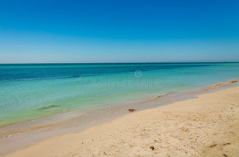 Playa paradisíaca en las llaves foto de archivo libre de regalías