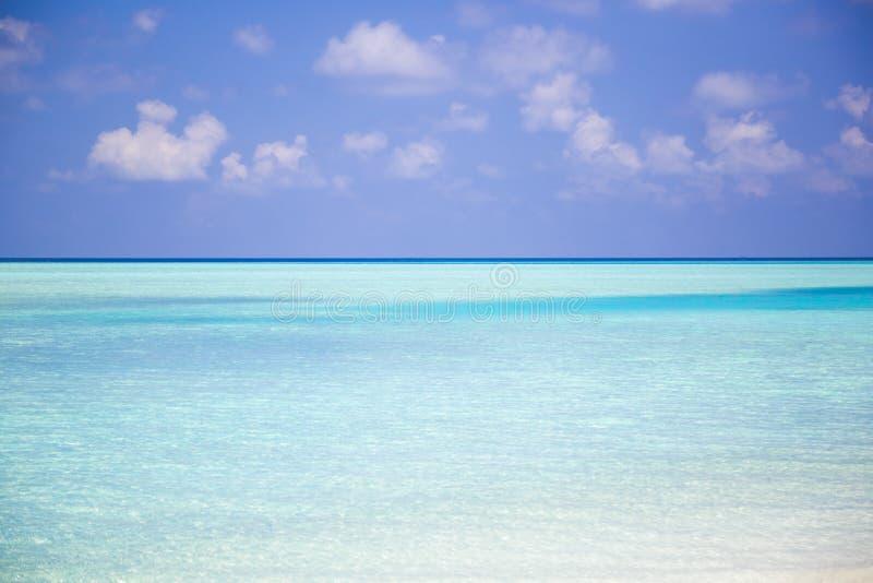 Playa paradisíaca hermosa en Maldivas fotografía de archivo