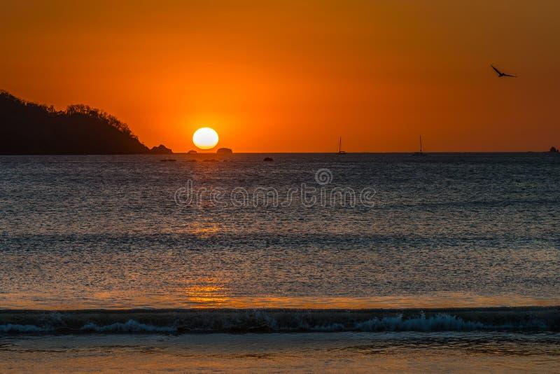 Playa Potrero färgglad solnedgång royaltyfria foton