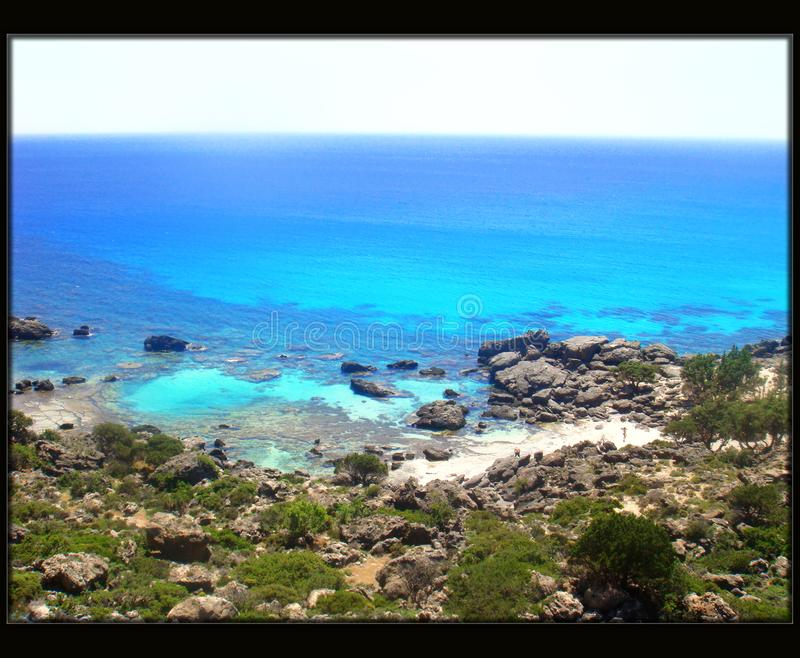 Playa que sorprende en calidad fina del papel pintado del fondo de Grecia del chania de los kedrodasos imágenes de archivo libres de regalías
