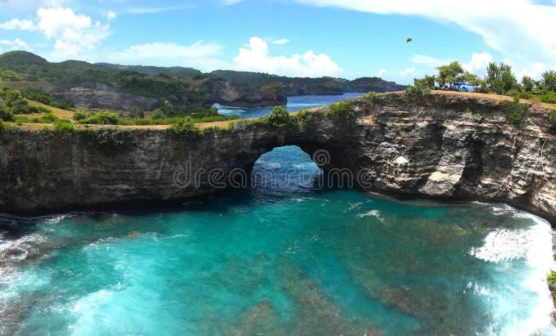 Playa quebrada de Bali Indonesia imagen de archivo