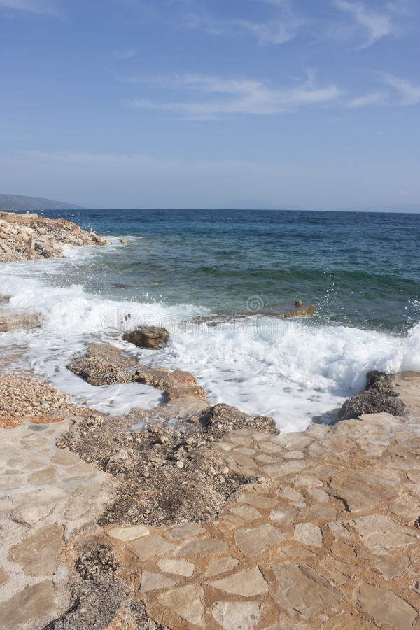 Playa rocosa en Croacia imágenes de archivo libres de regalías