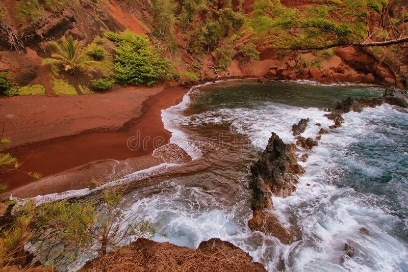 Playa roja de la arena de Kaihalulu imagen de archivo libre de regalías