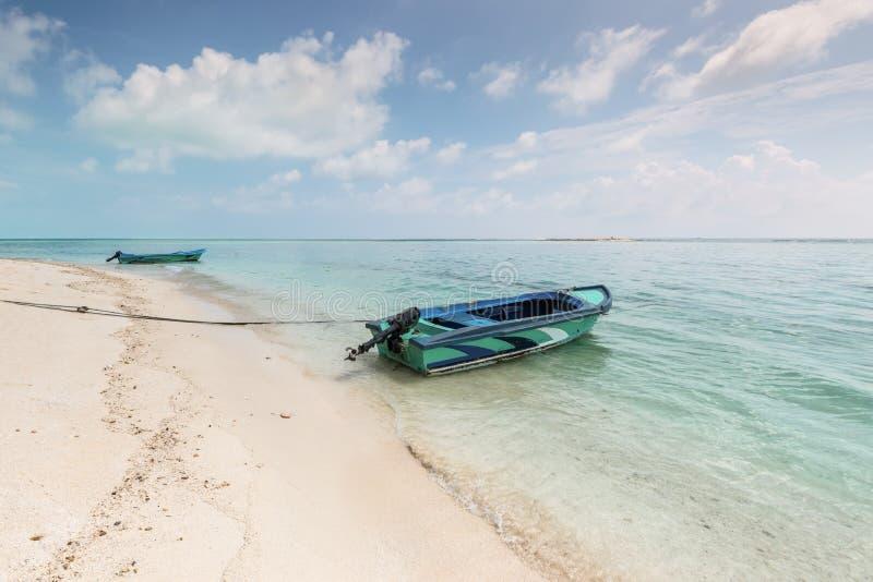 Playa South End de Gulhi de la isla de Gulhi, Maldivas fotos de archivo libres de regalías