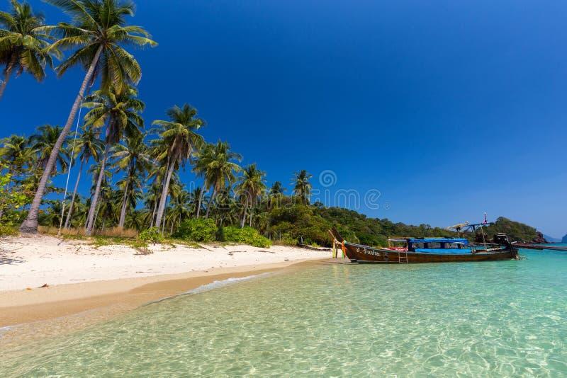 Playa tropical de Tailandia imagen de archivo libre de regalías