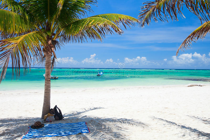 Playa tropical en México imagen de archivo