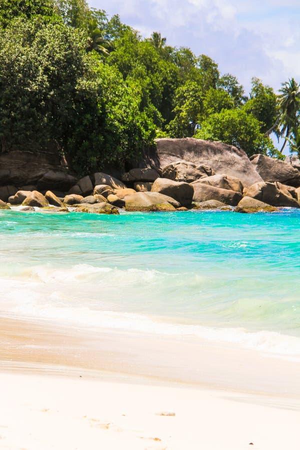 Playa tropical ex?tica hermosa en Seychelles imagen de archivo