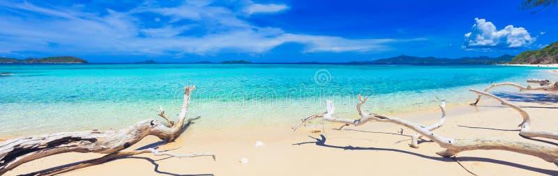 Playa tropical Malcapuya imagen de archivo libre de regalías