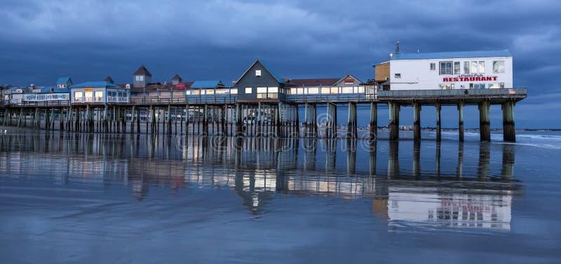 Playa vieja de la huerta, Maine en la noche imagen de archivo libre de regalías