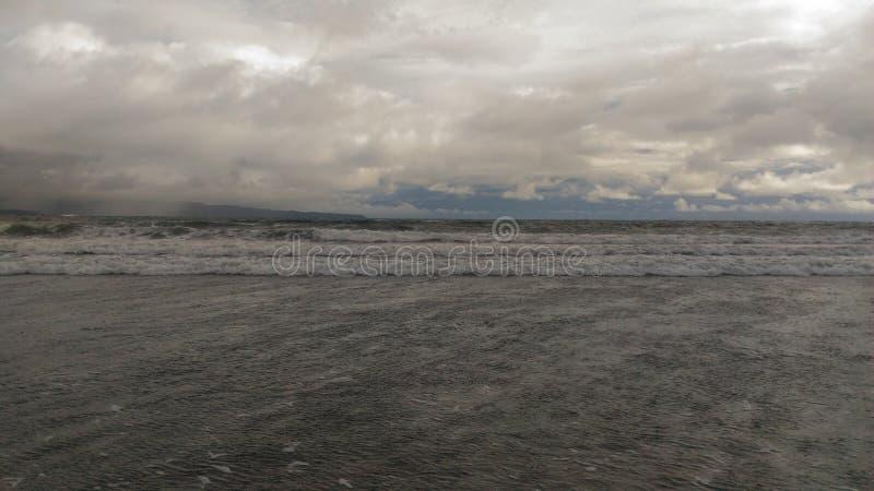 Playa volcánica de Hawaii foto de archivo