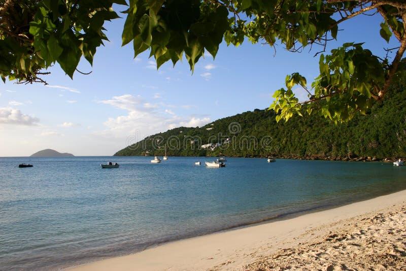 Playa y bahía en St Thomas imágenes de archivo libres de regalías