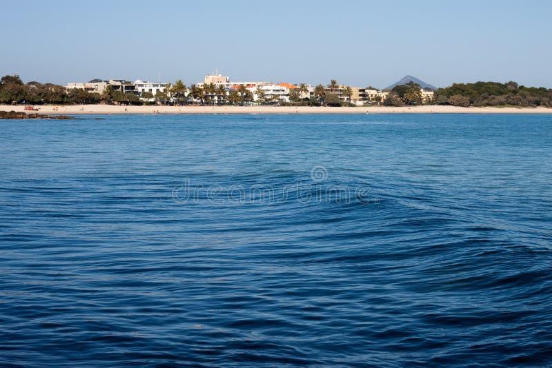 Playa y centro turístico de Noosa fotografía de archivo libre de regalías