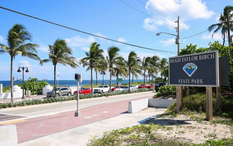 Playa y Hugh Taylor Birch State Park del Fort Lauderdale imagenes de archivo
