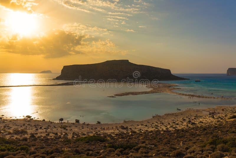 Playa y laguna de Balos durante la puesta del sol, prefectura de Chania, Creta del oeste, Grecia fotos de archivo