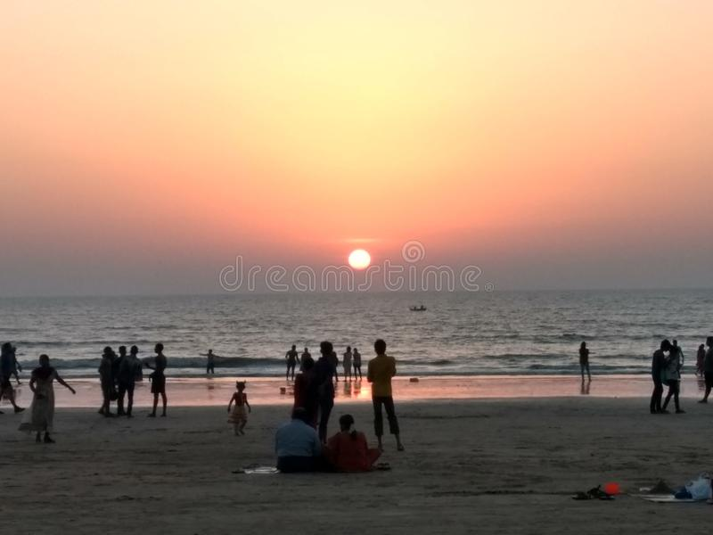 Playa y puesta del sol fotos de archivo libres de regalías