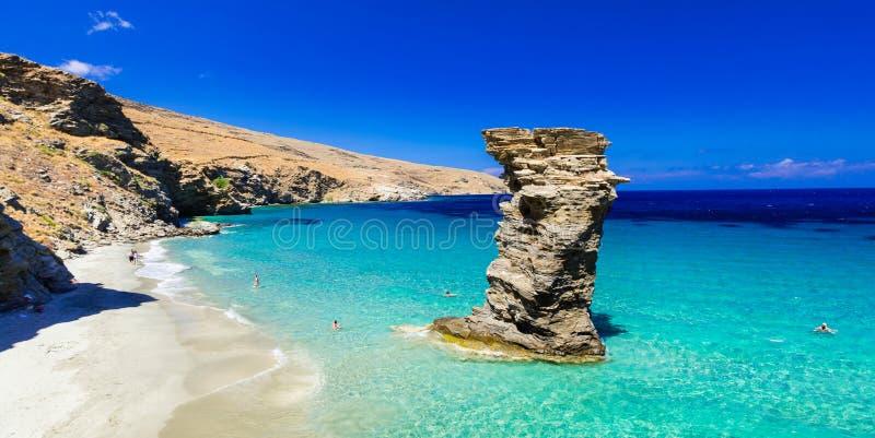 Playas hermosas de la turquesa de Grecia - Andros, Grias de Tis al Pid fotografía de archivo libre de regalías