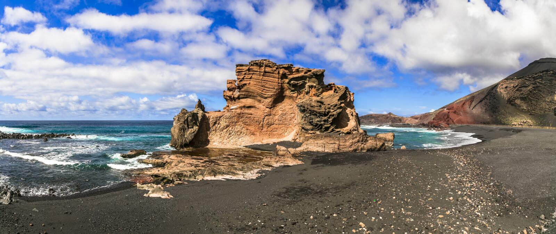 Playas negras únicas de la arena del EL volcánico Golfo de Lanzarote Islas Canarias foto de archivo libre de regalías