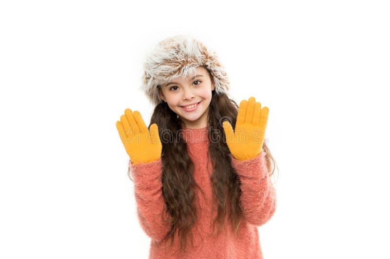 Playful fashionista Kinderlanges Haar Weiches Fell, das Weichheit genießt Soft Care Konzept Faux-Pelzentwicklung Mädchenlanghaark stockfotos