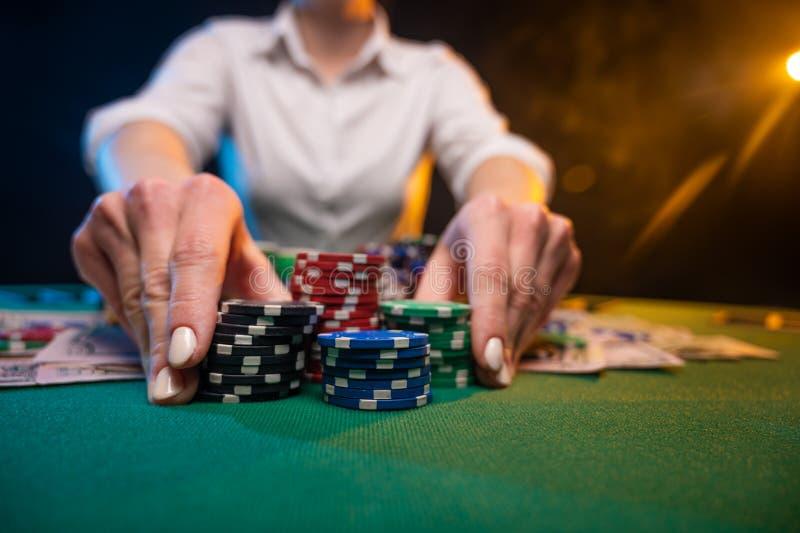 Онлайн казино риск как играть в бридж на 52 карты видео