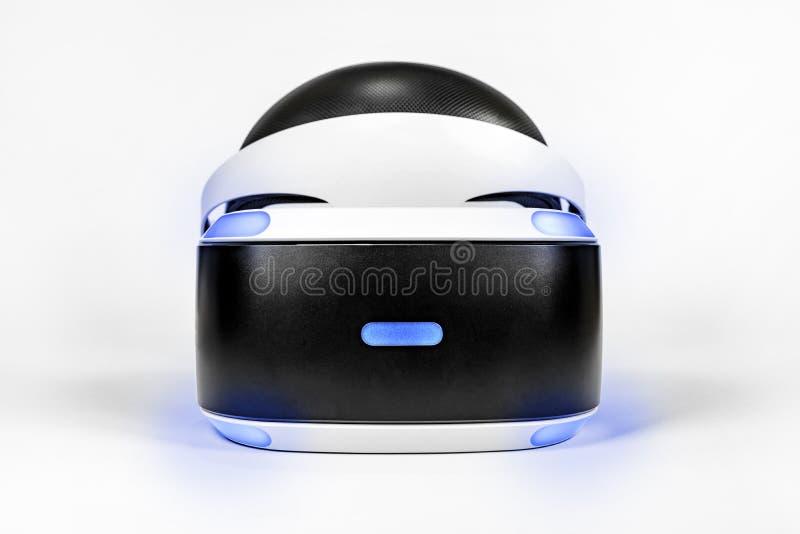 Playstation VR hörlurar med mikrofonenhet för virtuell verklighetdobbel med den Playstation 4 lekkonsolen arkivfoton