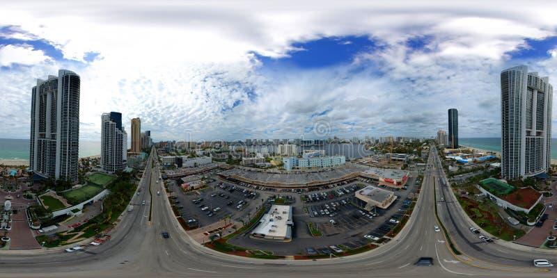 Plaza aérienne Collins de Sunny Isles Beach FL RK de panorama du bourdon 360 photo stock