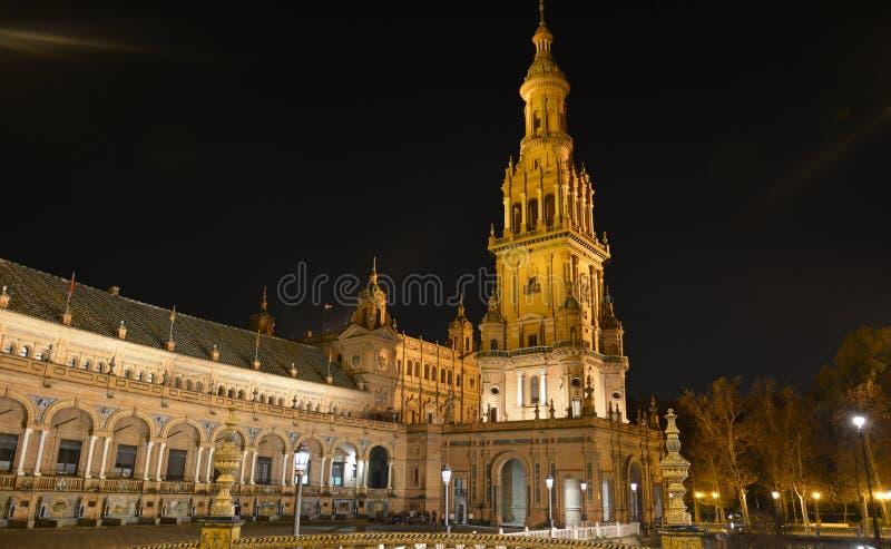 A Plaza bonita De Espana em Sevilha, uma noite de verão fotografia de stock royalty free