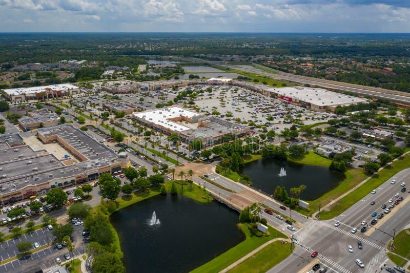 Plaza de compras aérea del centro de ciudad de los lagos waterford de la foto foto de archivo