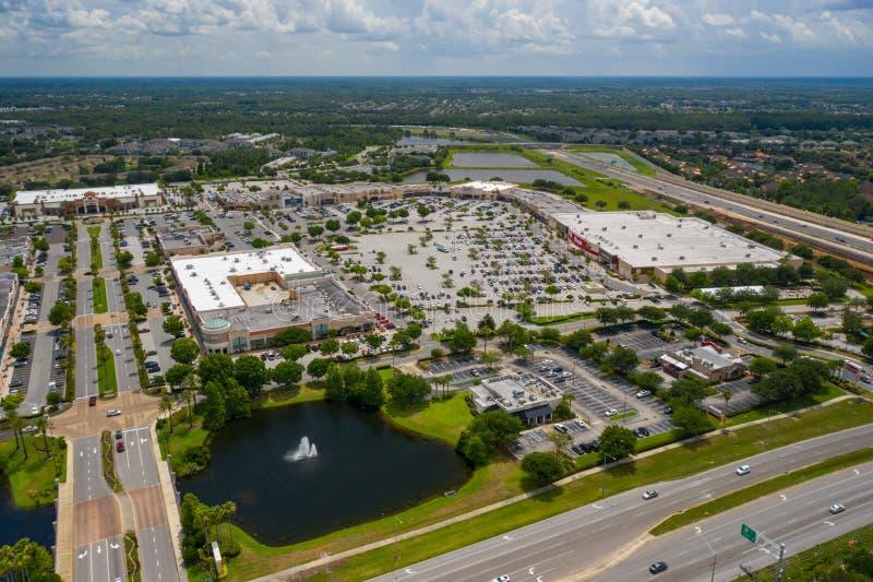 Plaza de compras aérea del centro de ciudad de los lagos waterford de la foto imagen de archivo libre de regalías