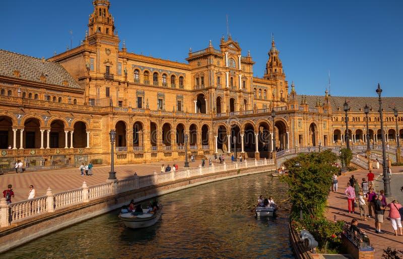 Plaza de España i Seville, Spanien royaltyfri bild