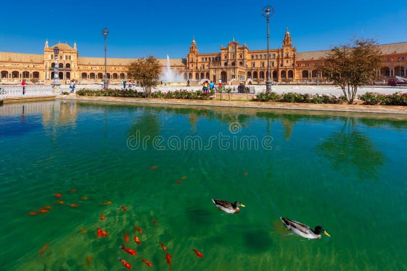 Plaza DE Espana bij zonnige dag in Sevilla, Spanje stock foto
