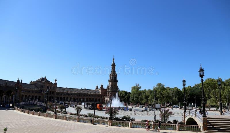 Plaza de Espana et place espagnole de touristes en Séville, Andalousie, Espagne images stock